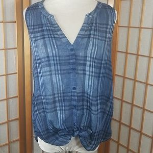 Lucky Brand blue plaid sleeveless blouse, buttons